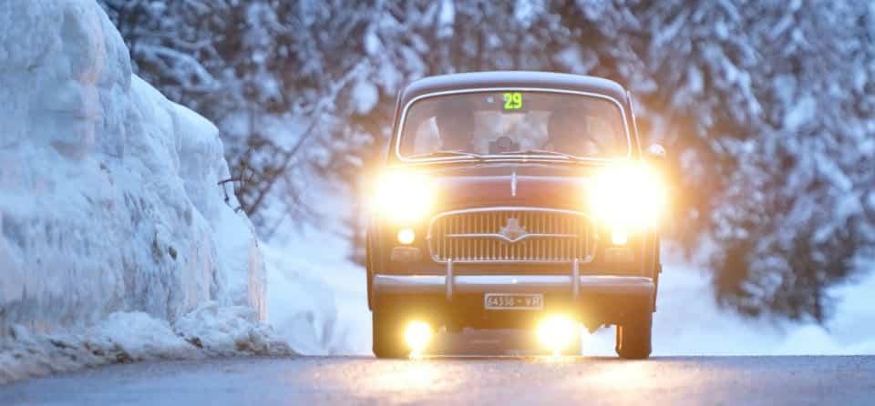 oldtimer-rijden-in-de-winter