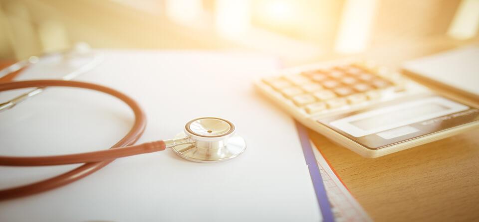 65-plussers betalen onnodig veel aan zorg