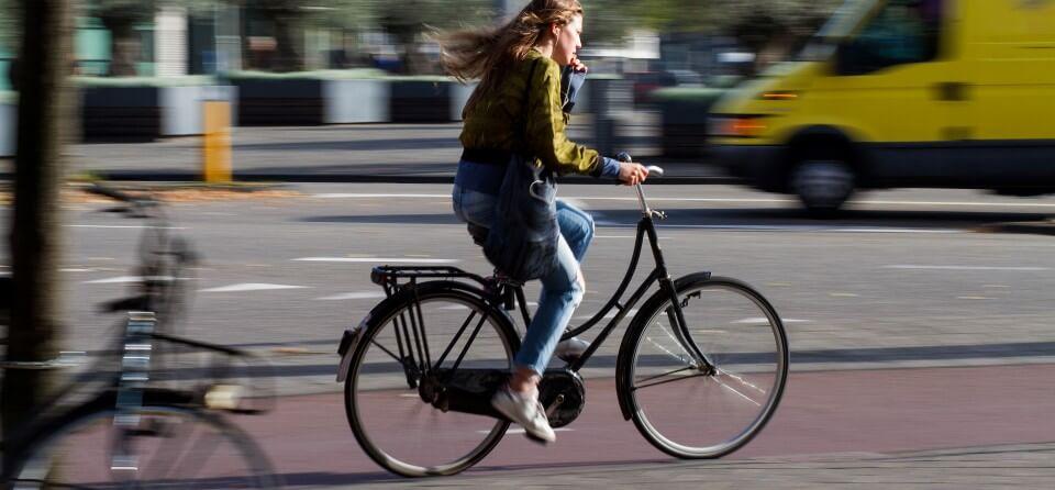telefoongebruik-op-fiets